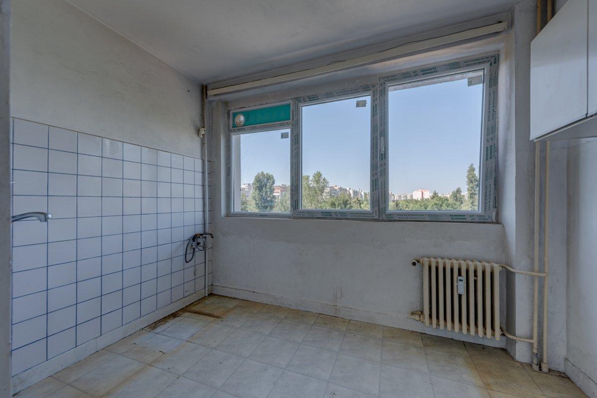 Apartament 3 camere vis a vis de parcul IOR