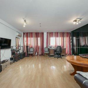 Apartament 3 camere 100mp Titulescu In celebrul Bloc al Scriitorilor