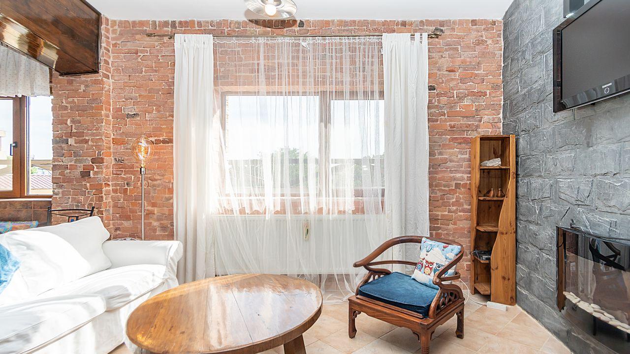 Vacanta la tine acasa ! Apartament 2 camere + terasa de 100 mp